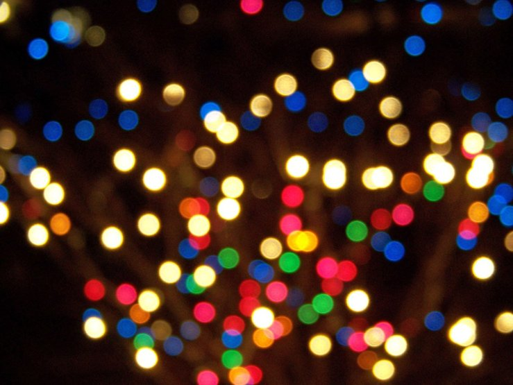 out-of-focus-christmas-lights
